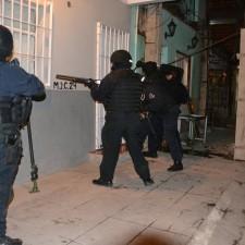 Desbaratan banda dedicada al narcotráfico, robo y desguace de autos
