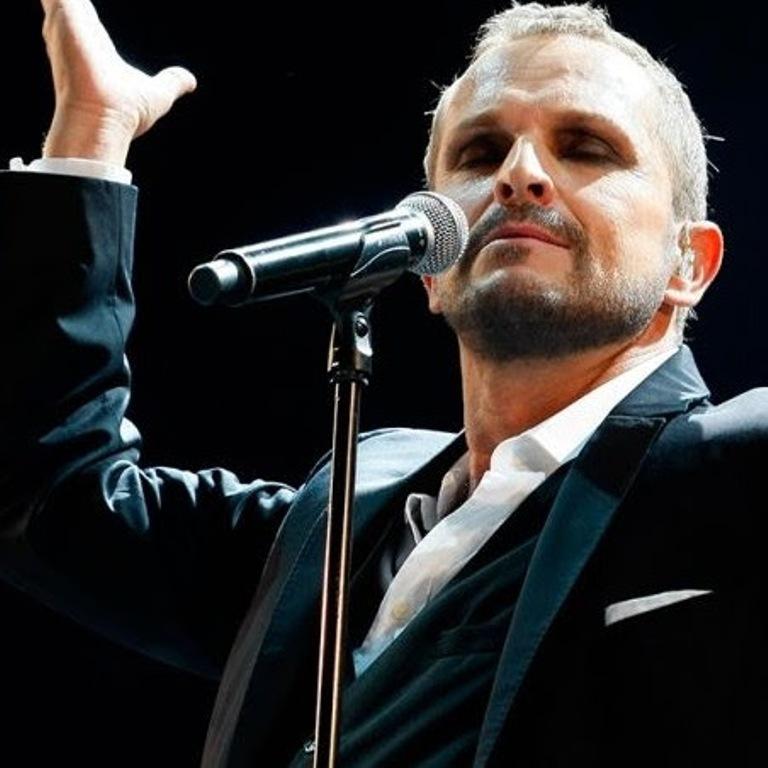 """Miguel Bosé anuncia su primer concierto acústico: """"MTV Unplugged"""""""