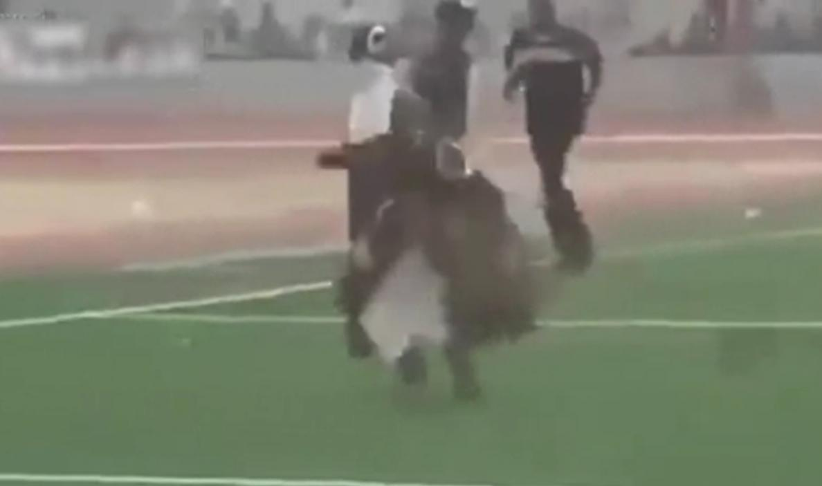 Insólito un ritual entre brujos rivales del fútbol de Ghana terminó en batalla campal