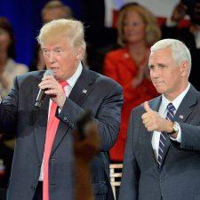 Trump acusa a los medios de conspiración