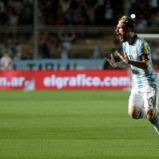 Con tres pinceladas de Messi, la selección se recuperó ante Colombia