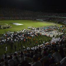 Sentido homenaje a estadio lleno por el Chapecoense