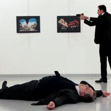 Nuevo video del asesinato del embajador ruso