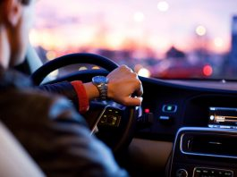 ¿Qué tipo de música ayuda a conducir mejor?
