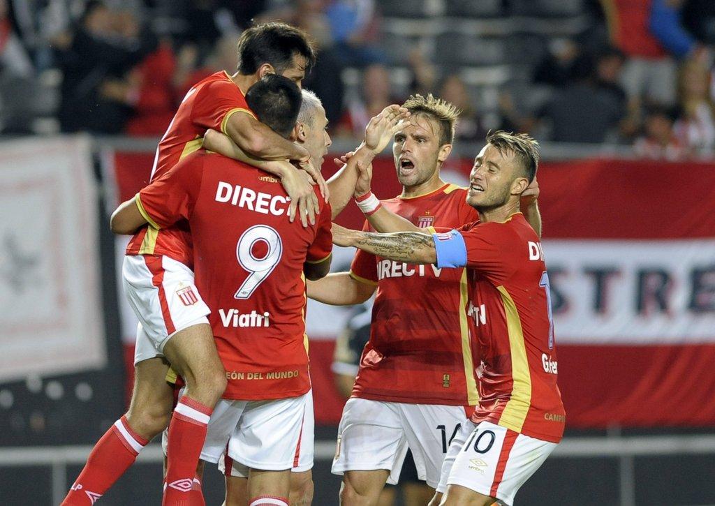 Primera División Alegría platense en el inicio de la fecha 8