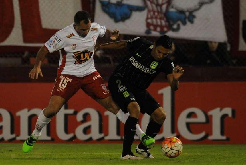 Copa Libertadores Huracán empató en la ida y define en Colombia