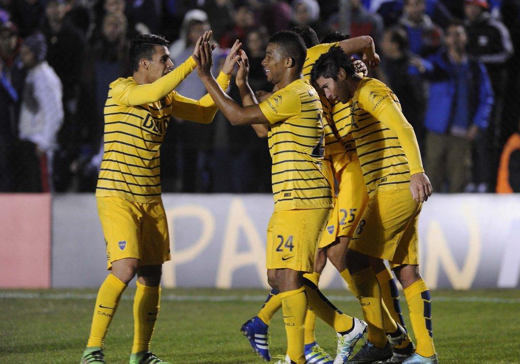 Boca rescató un empate con goles en Uruguay y quedó bien parado