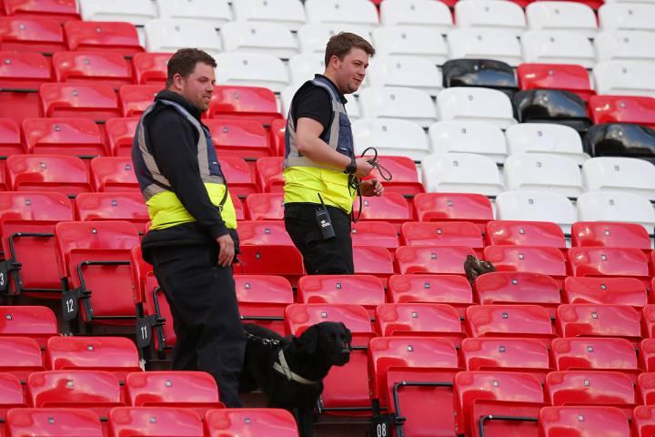 Encuentran paquete sospechoso en el Old Trafford