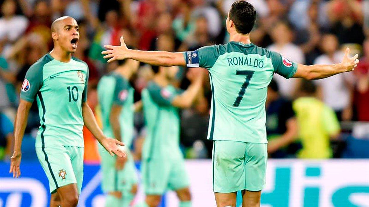 Con Cristiano a la cabeza Portugal pasó a la final de la Euro
