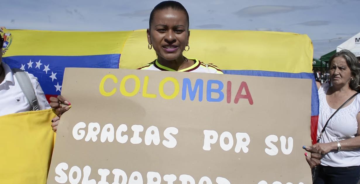 Venezolanos agradecen hasta las lágrimas a Colombia tras la apertura de las fronteras